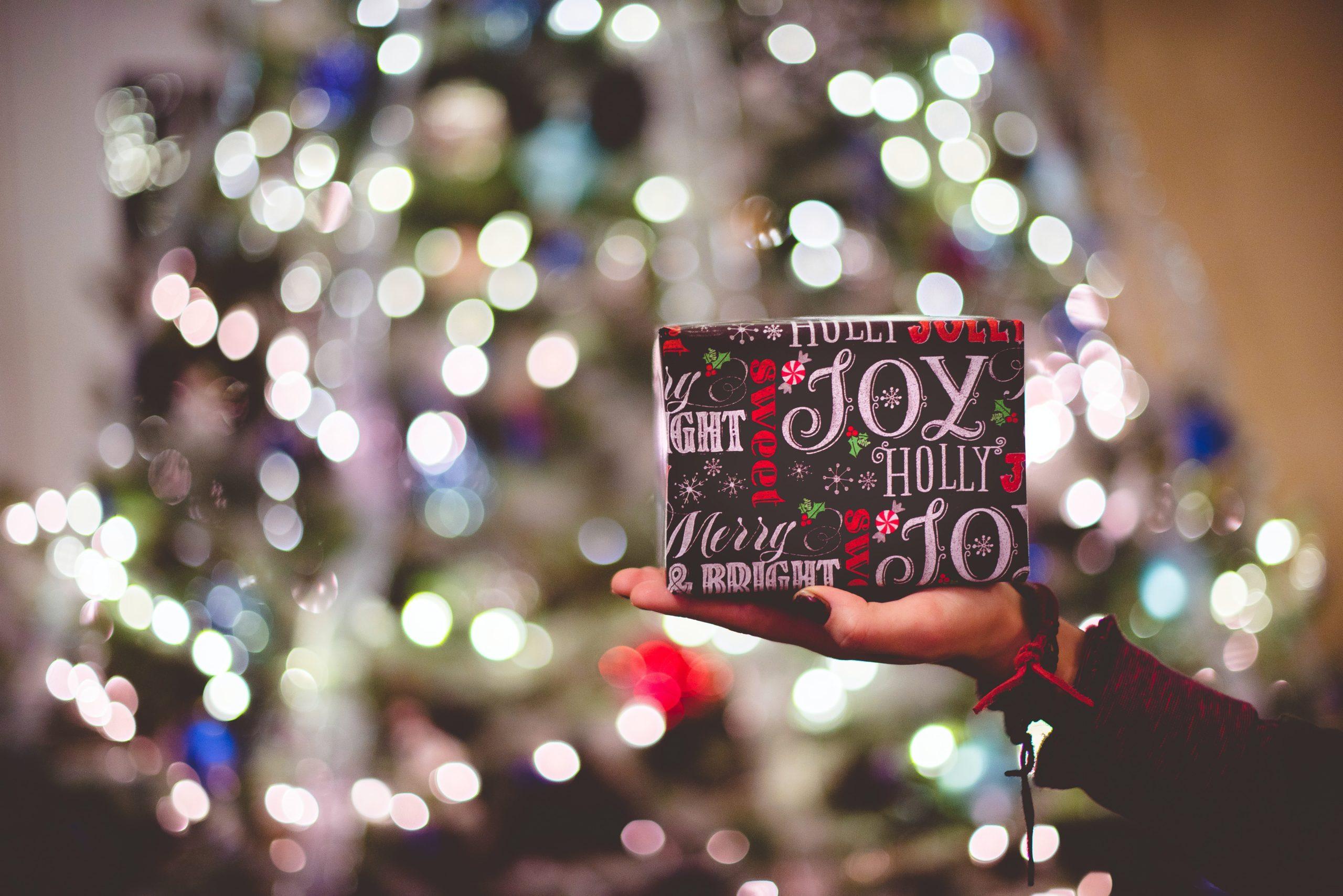 Cadeaux de Noël engagés : 5 idées de dernière minute  !
