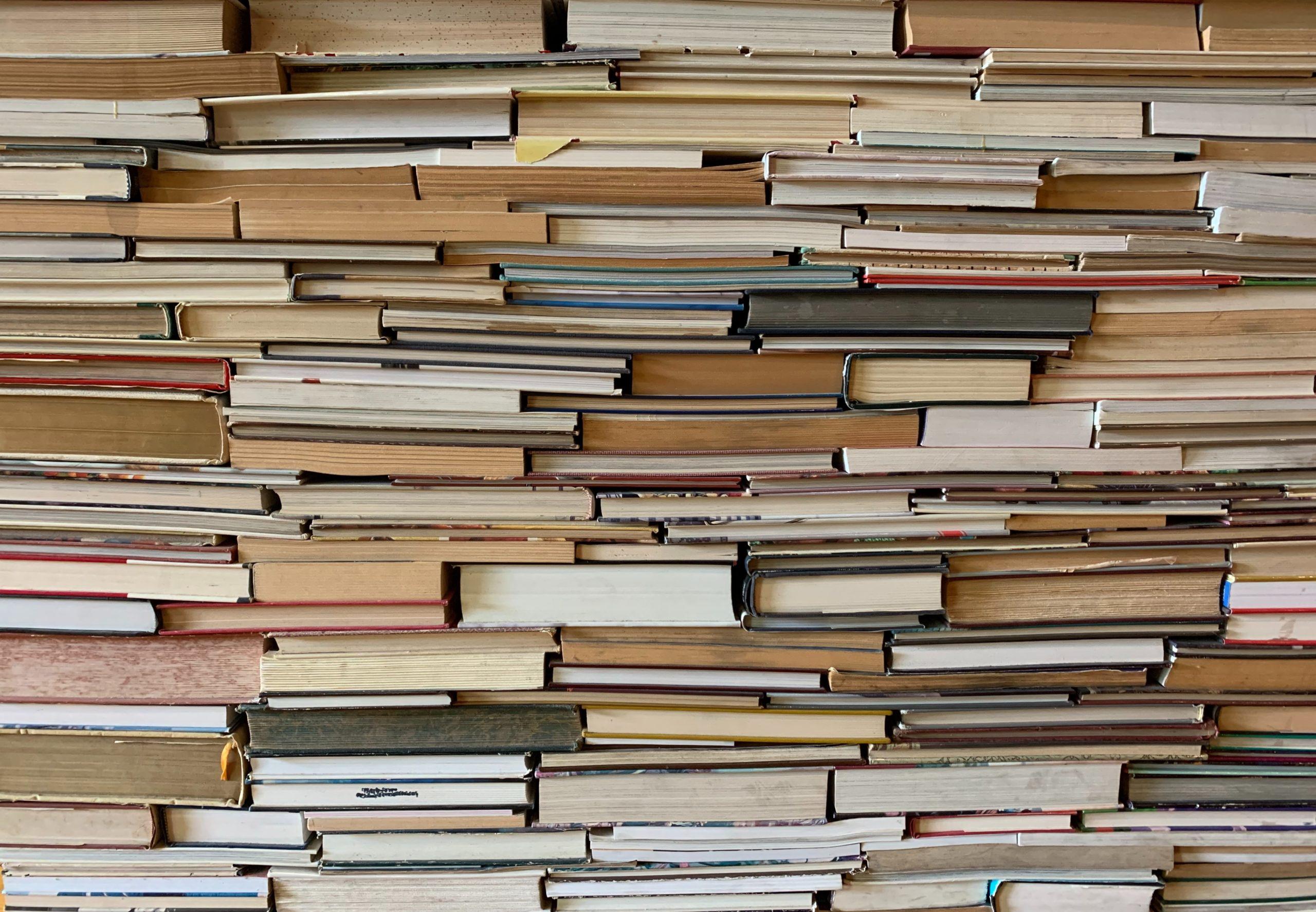 L'astuce pour ranger sa bibliothèque parfaitement