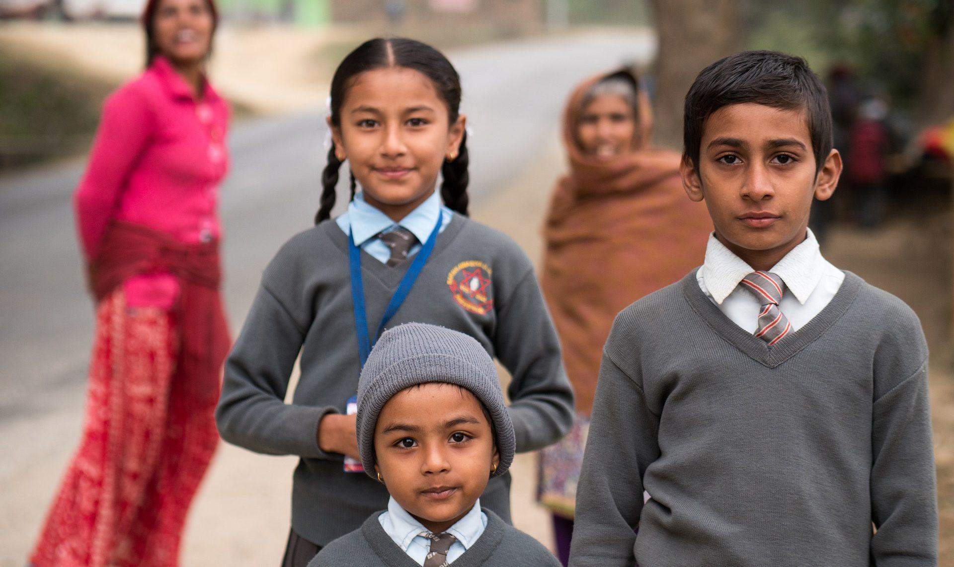 Emmaüs 53 soutient la scolarité des enfants Népalais